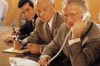企業の従業員数と平均年収を知る方法